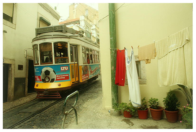 around the corner (Lisboa)
