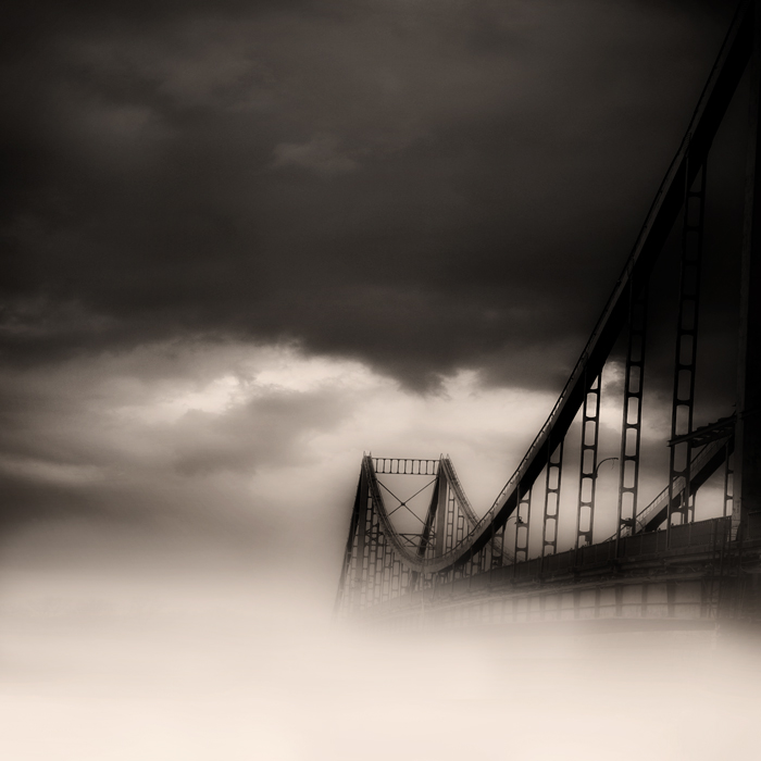 bridge to nowhere | fog, black and white, bridge, San Francisco