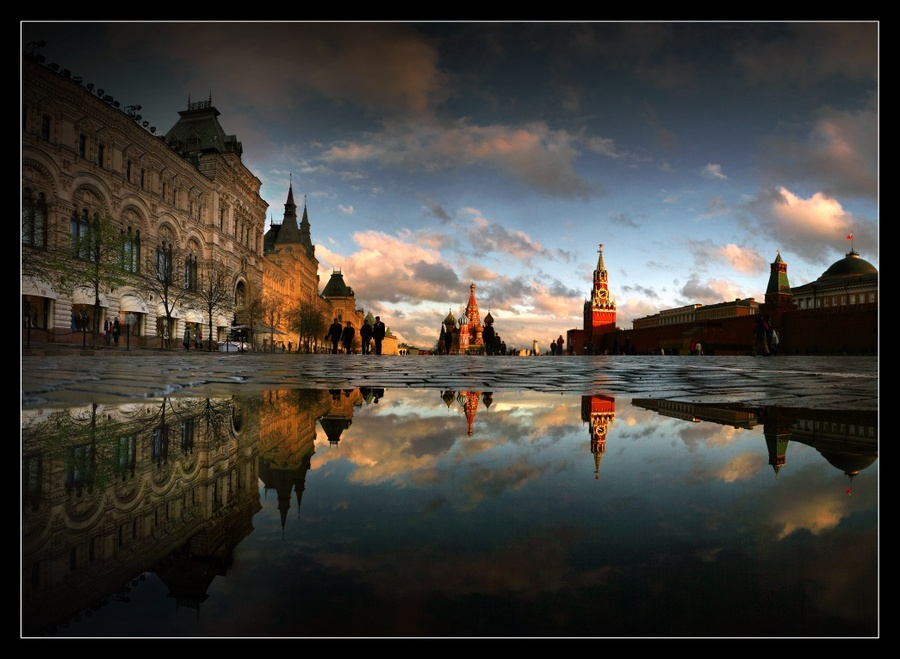 when there are no tanks | Moscow, Kremlin, reflection, pavestone, architecture
