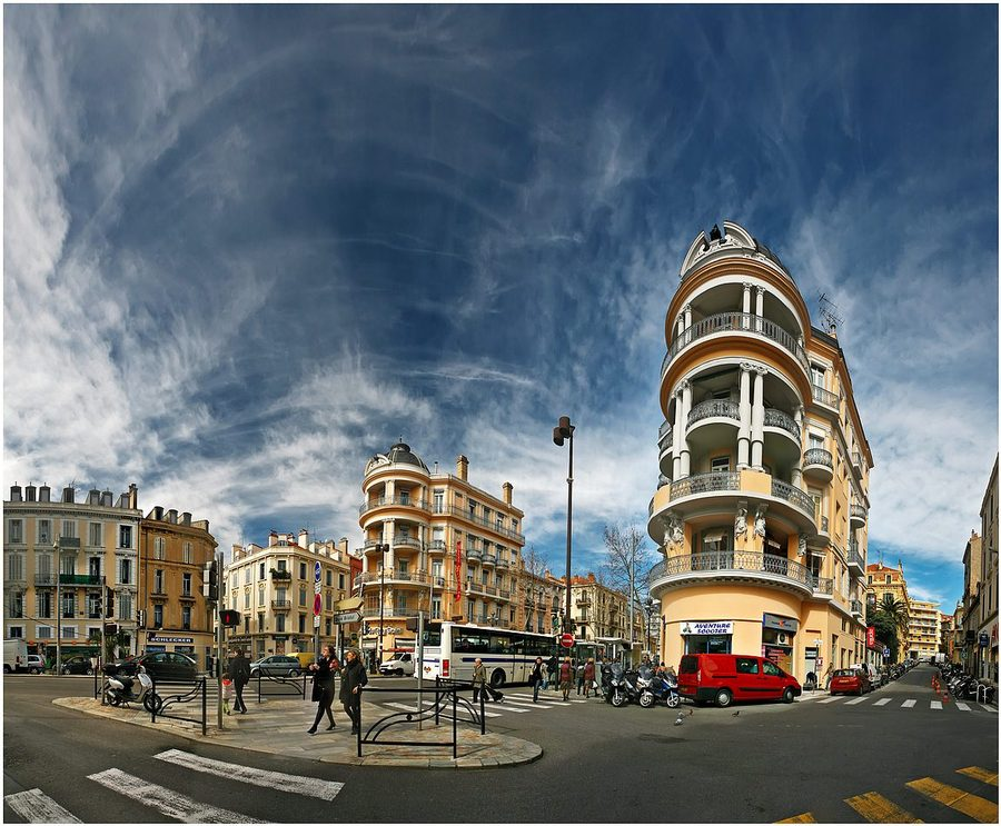 Cannes in perspective | Cannes, people, street, houses