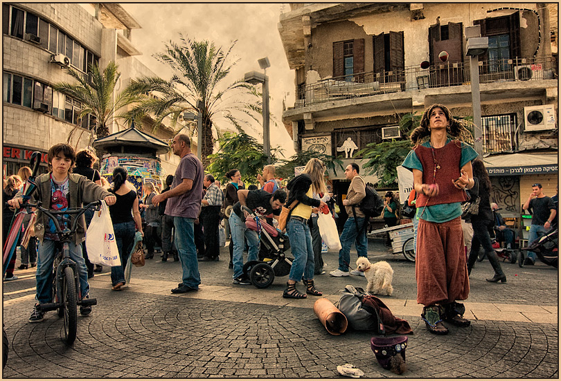 TLV 3529 | Tel-Aviv, summer, Israel, people, street