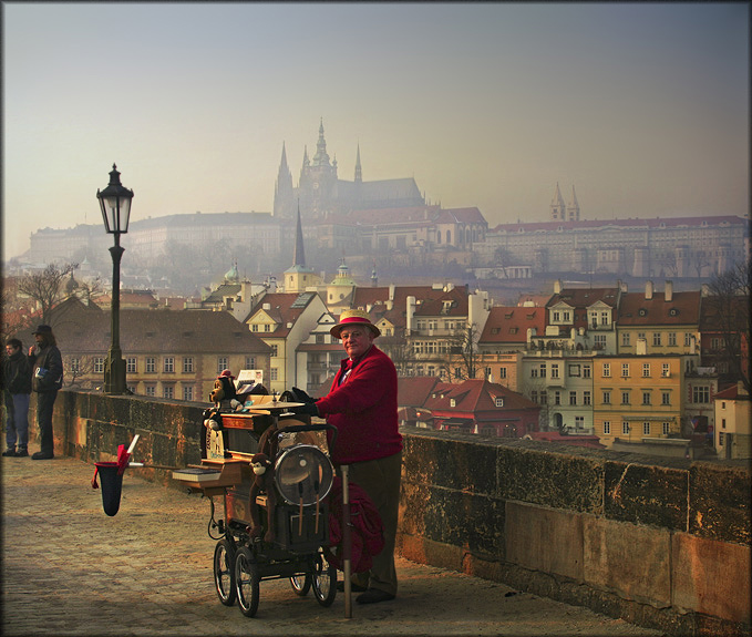 Organ-grinder | organ-grinder, Prague, panorama, bridge, people