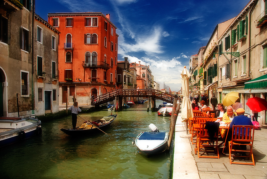 Midday at Venice