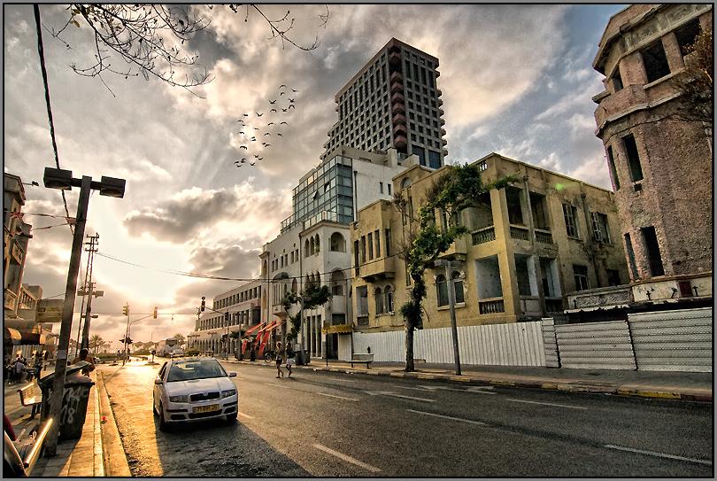 Tel-Aviv by car