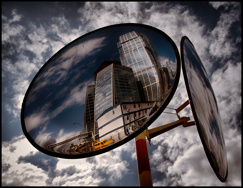 The city and the mirrors