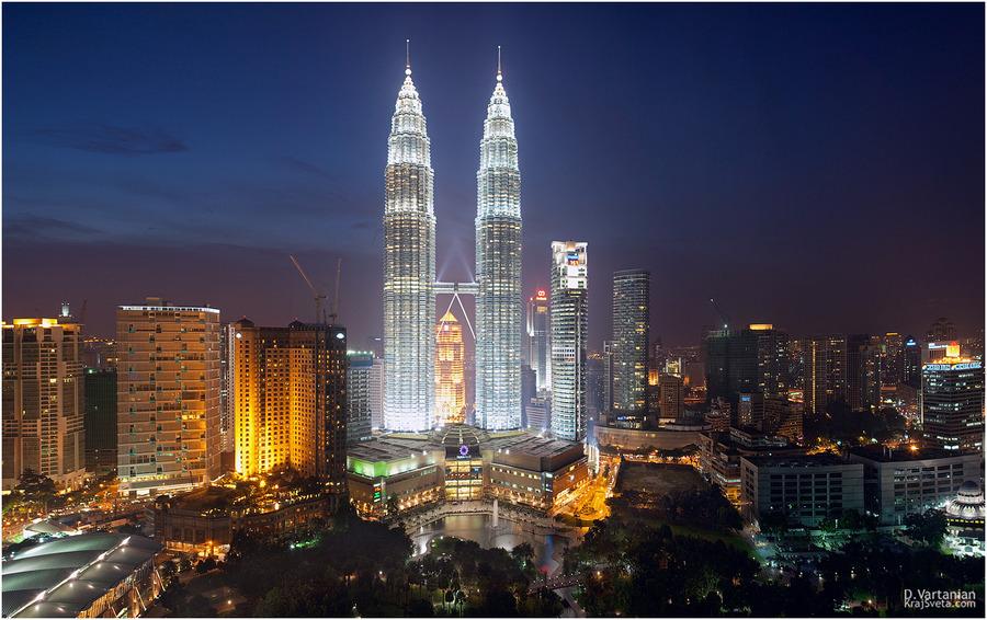Kuala Lumpur. Petronas towers. | megalopolis, skyscraper, night, lights, Kuala Lumpur, Malaysia