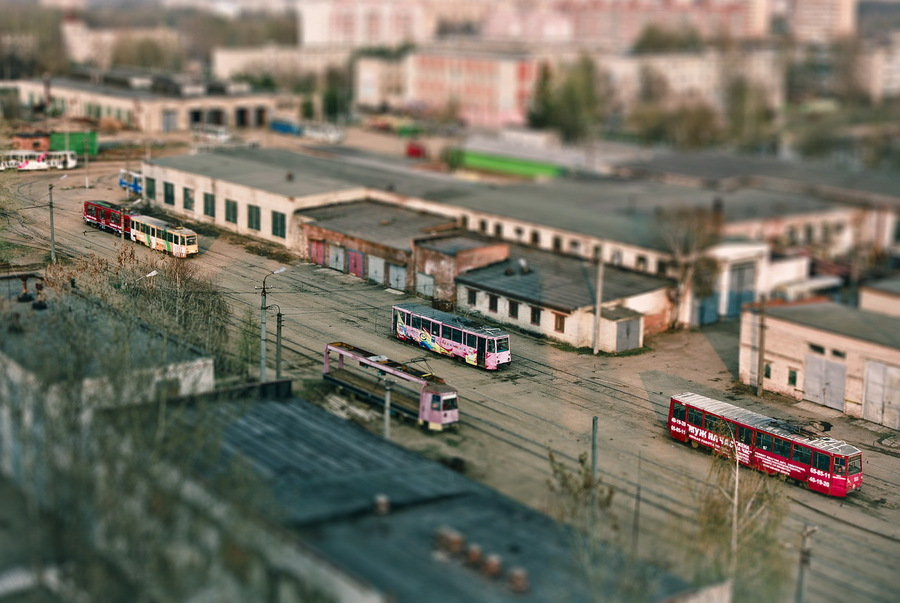 The itty-bitty world | transport, buildings