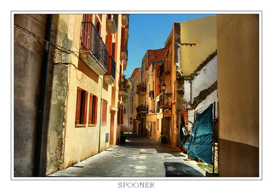 Colorful Spanish street | houses, Spain, street, color, Cambrils