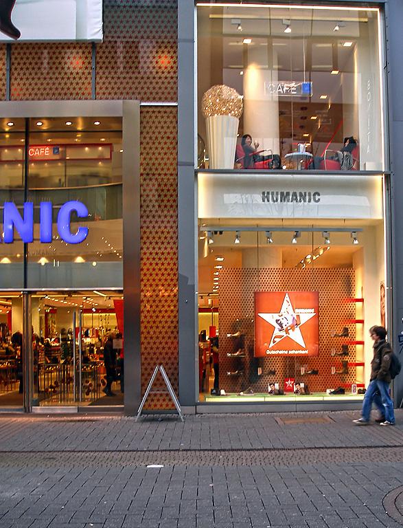 Humanic shop