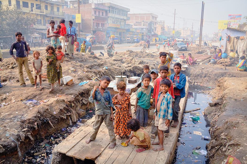 Slums of Patna, Bihar  | Patna, Bihar, India, capital, slums, children, poverty, rubbish, houses, tent