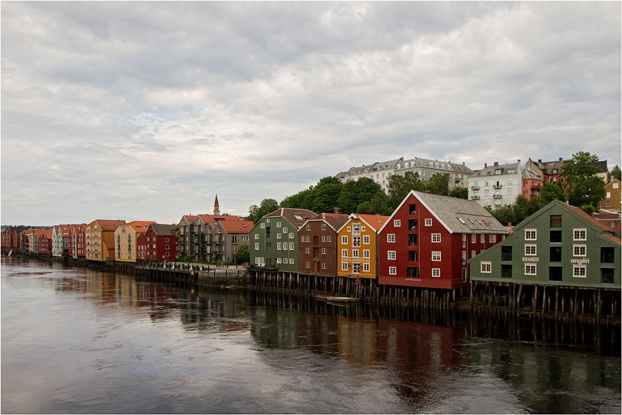 Norway | Norway, Nidelva, river, townhouse