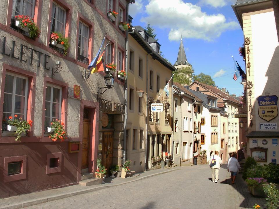 Street in Vianden, Luxemburg