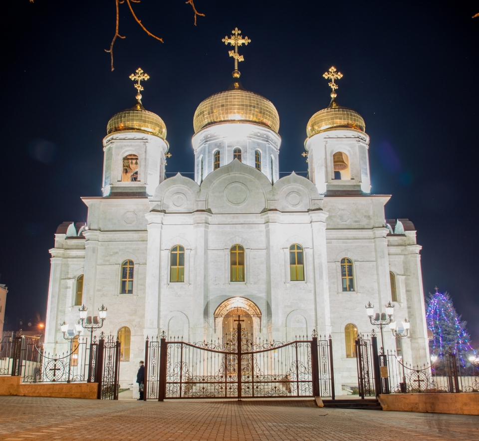 Saviour's cathedral, Pyatigorsk | city, Pyatigorsk, Saviour's cathedral, evening, sky, cupola, golden, gate, bells, parson