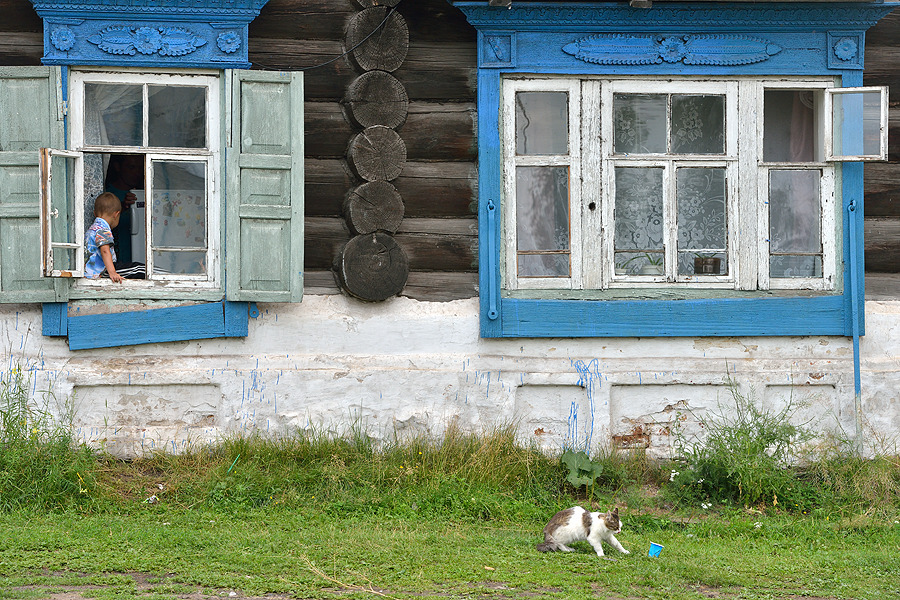 Child on the windowsill, Yeniseysk | town, house, wooden, window, summer, child, cat, grass, Yeniseysk, Russia