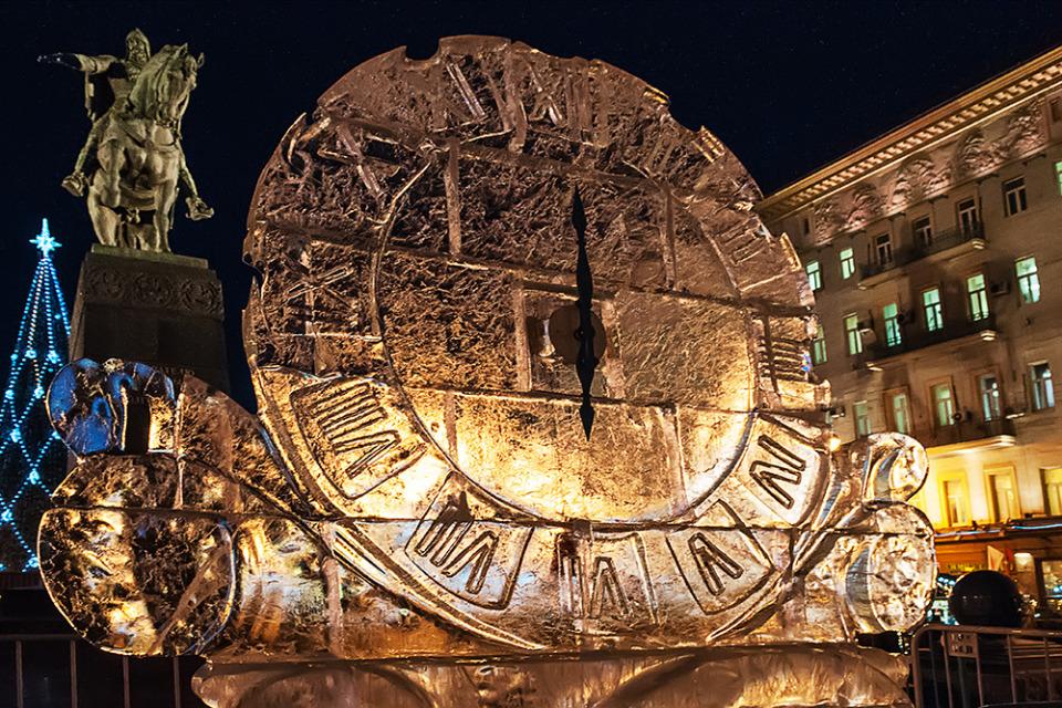 A clock, Tverskaya Street