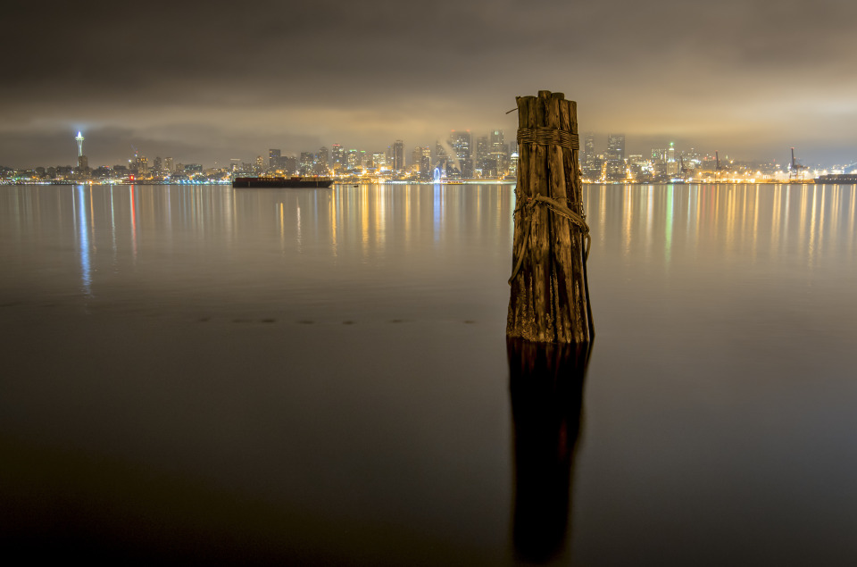 Just an ordinary night in Seattle | Seattle, bay, cliff, night